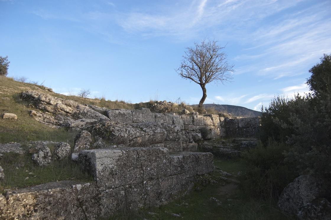 Peña de los Gitanos: Restos de la Muralla - Poblado Castillejo