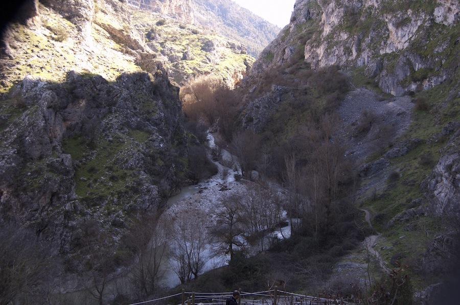 Descenso hacia el Río Velillos