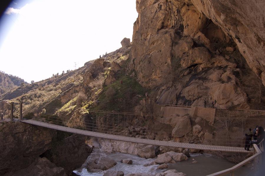 Puente Colgante Río Velillos